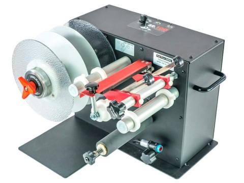 SR-6 - Etiketten-Schneidestation mit Aufwickler, Kern 76mm, Rollendurchmesser 220mm, Etikettenbreite 170mm, Rückspulrichtung von rechts nach links